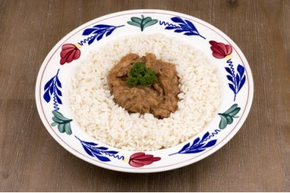 Kipsaté met rijst