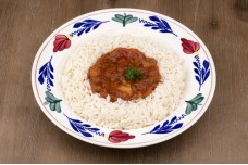 Kippilav met rijst